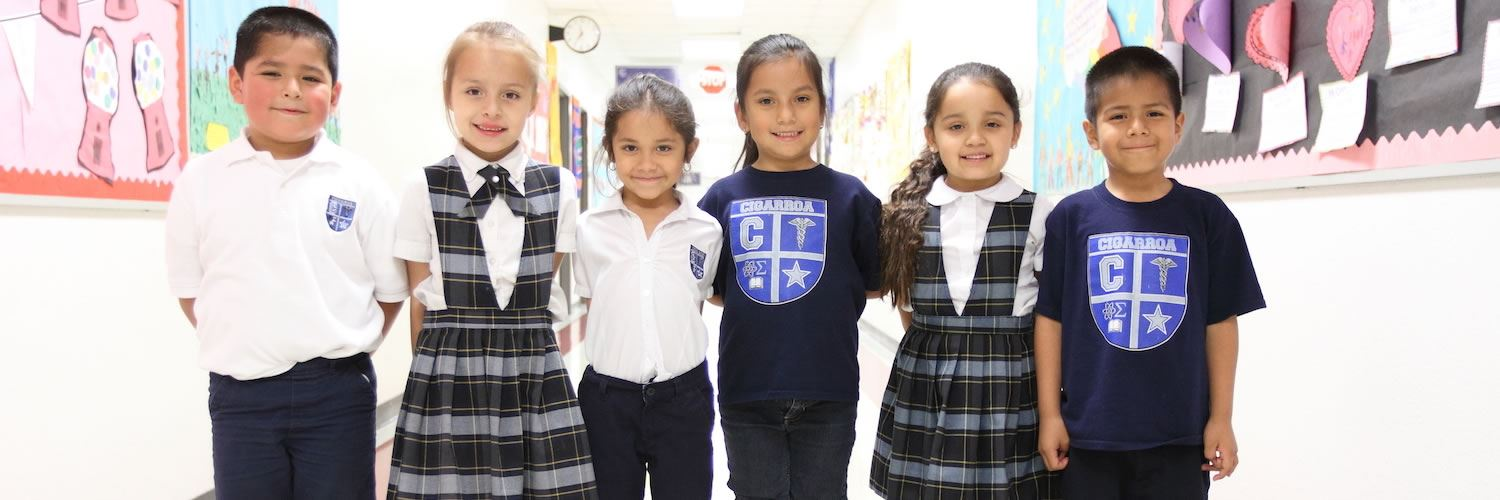 Young students from Leonides Cigarroa Elementary